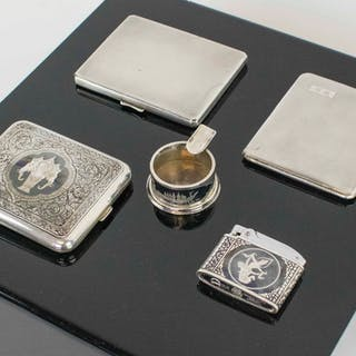 A GROUP OF FIVE VINTAGE SILVER ITEMS