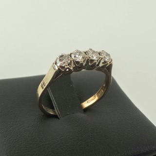 14K YELLOW GOLD RING SET FOUR DIAMONDS