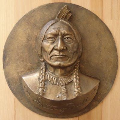 Gilbert POILLERAT - Sitting Bull, Sculpture originale