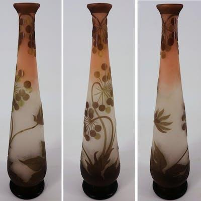Émile GALLE - Vase en pate de verre à décor d'Ombelles, signé, 40cm - Nancy