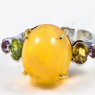 Bague en or blanc 750 (18 KT)  opale et saphirs multicolores