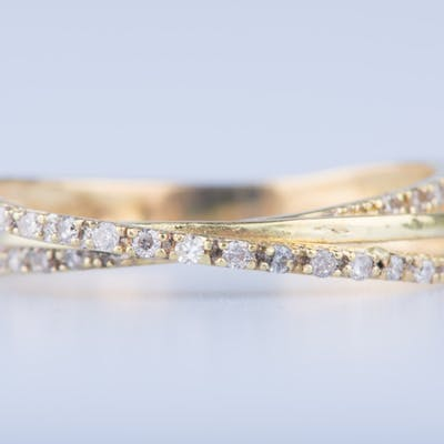 Bague en or jaune 18 ct 30 diamants env. 0.30 ct au total