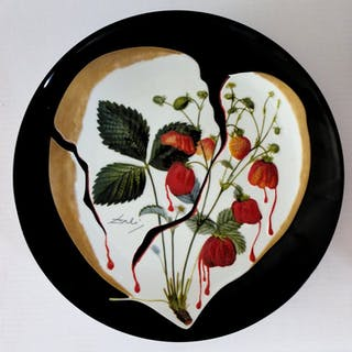 DALI Salvador : Coeur de fraises - Plat en Porcelaine original SIGNE &N°