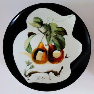 DALI Salvador : Fruits troués et rhinocéros - Plat en Porcelaine original SIGNE