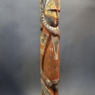 Belle figure d'ancêtre Abelam, peuple de nouvelle guinée. Circa 1950.