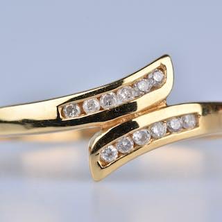 Bague en Or Jaune 18 ct (750/1000)  12 Diamants à env 0,10 ct au total