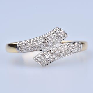 Bague en Or 18 ct (750/1000), 20 diamants ronds brillants à 0,10 ct au total