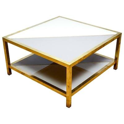 Table basse en verre tinté et laiton