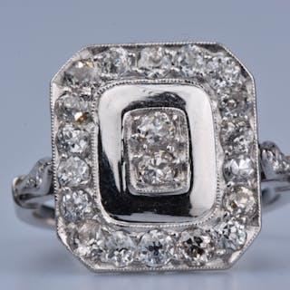 Bague en or blanc 18ct (750 millièmes), ornée de 20 diamants ronds