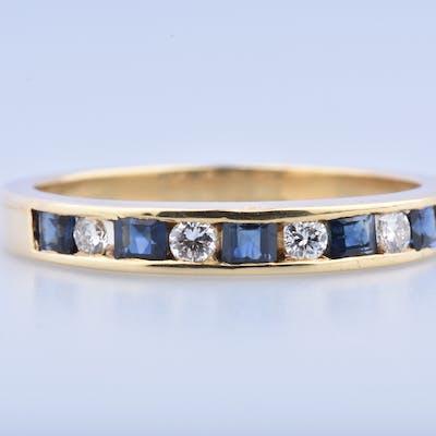 Bague en or 18 carats (750 millièmes), ornée de 4 diamants de 0.02ct