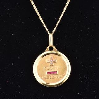 Beau pendentif en or jaune 18 carats de la Maison Augis