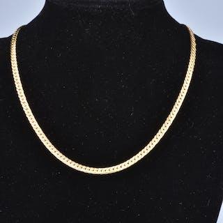 Collier en or jaune 18 carats (750 millièmes). Chaine en maille anglaise