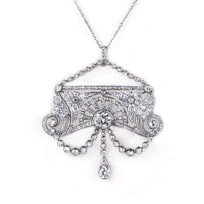 A Belle poqueDiamond Pendant in Platinum C.1910