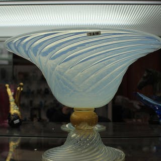 A MURANO GLASS CENTREPIECE BOWL