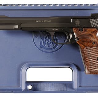 Smith & Wesson Model 41 Semi-Automatic Target Pistol