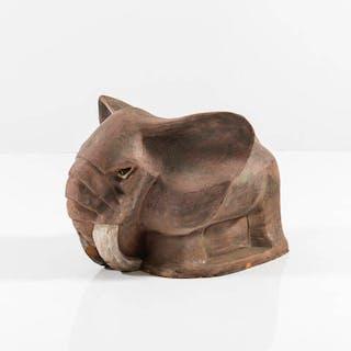 Scultura in terracotta a forma di elefante