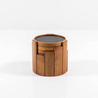 Quattro tavolini in legno di faggio che si sovrappongono...