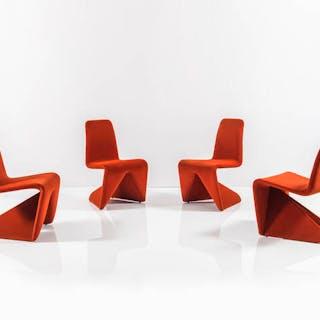 Quattro sedie con struttura in legno