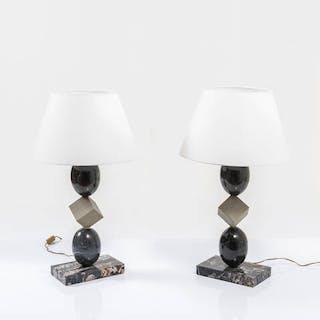 Coppia di lampade da tavolo in marmo nero Marquina e pietra serena