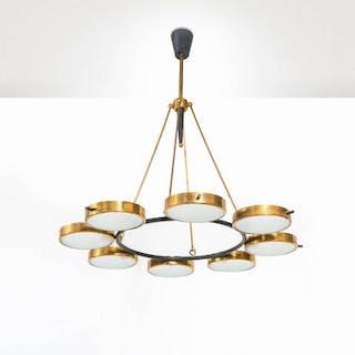 Lampadario a otto luci con struttura in ottone e metallo verniciato