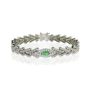 Diamant-Armband mit 0,265ct Smaragd-Navette und 1,560ct Diamanten in Weissgold