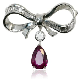 Diamant Schleifen Brosche mit 0,854ct Diamant Baguettes und 2,473ct