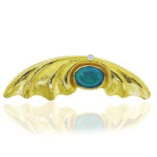 Opal-Goldbrosche mit Opal und Brillant in Form eines gefalteten Schals