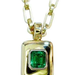 Herrlicher Muzo-Smaragd von 7,924 ct als Goldanhänger, 750 Gold Gleiter