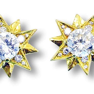 Ohrstecker Sterne mit zentralen Brillanten 3,12ct