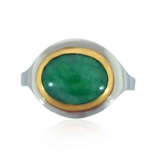 Imperial Jade Cabochon als Ring in 14 kt Gelb- und Weißgold mit 2,74ct