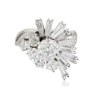 Diamant-Brillant-Ring mit Diamanten in zwei Schliffen, ca. 1,83 ct.