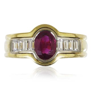 Rubin-Diamant-Ring mit 1,16ct Rubin und 0,31ct Diamantbaguettes in 750 Gold