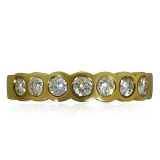 Saphir Weissgold Bandring mit Sternsaphir und zwei Diamanttrapezen