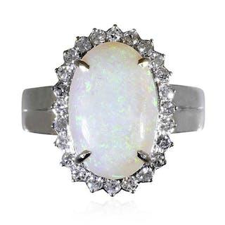 Diamant Opal-Ring mit 0,39ct Diamanten und 9,02ct Opal in Weißgold