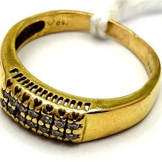 Ring 18K 3,0g med diamanter 14xca0,01ct