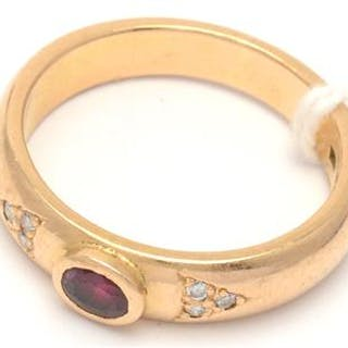 1 Ring med Diamanter 18K