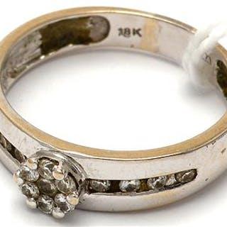 Ring vitguld med diamanter 18K 3,2g Ø17