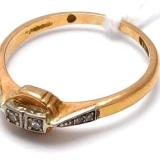 Ring 18K Tvåfärgad med 6 åttkantslipade diamanter 6 x ca 0,005ct Ø 16 2,3g
