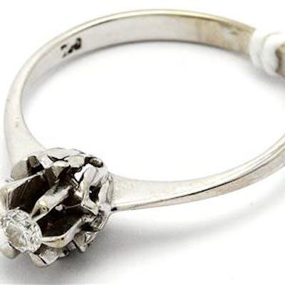 Ring 18K med diamant