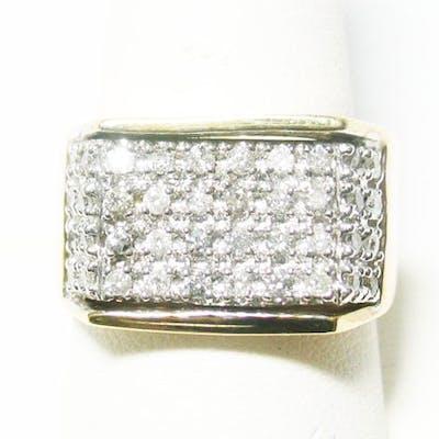 10K DIAMOND RING 1 C.T.W.