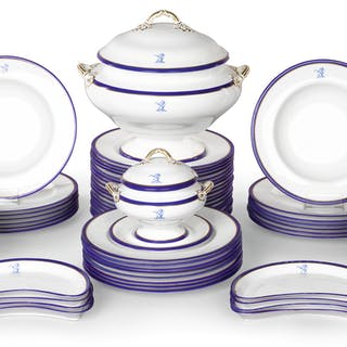 THE SMITH CRESTED PART DINNER SERVICE, COPELANDS FOR THOMAS GOODE &