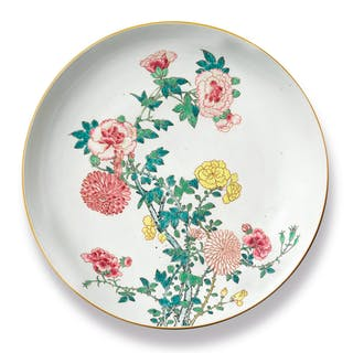 A LARGE FAMILLE-ROSE 'FLORAL' DISH QING DYNASTY, YONGZHENG PERIOD