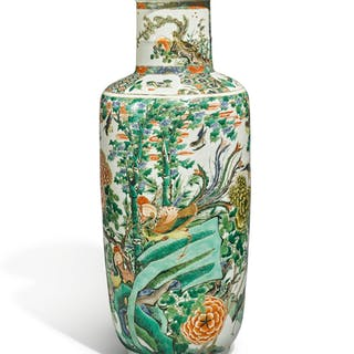 AN UNUSUAL FAMILLE-VERTE 'BIRDS' ROULEAU VASE QING DYNASTY, KANGXI PERIOD
