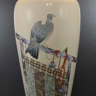 LARGE AND IMPORTANT JAPANESE CLOISONNE ENAMEL HAWK VASE – KUMENO TEITARO