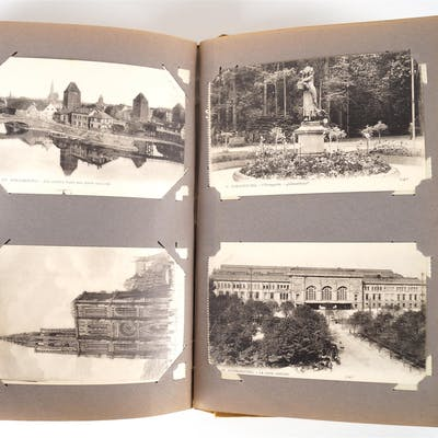 1 album In-8° d'environ 280 cartes postales anciennes de villes