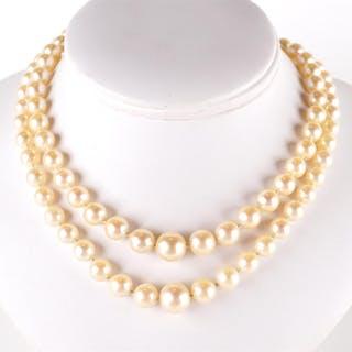 Collier à deux rangs de perles de culture en chute