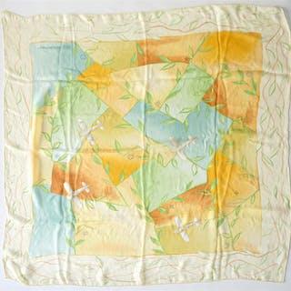 LOUIS VUITTON : Foulard en mousseline de soie