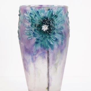 Gabriel ARGY-ROUSSEAU (1885-1953) : Vase en pâte de verre...