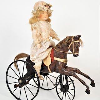 Cheval tricycle miniature en bois et fer