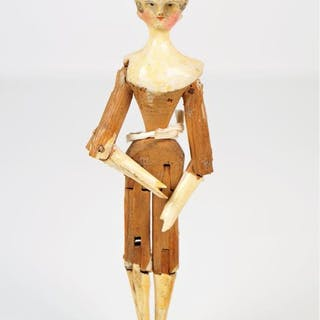 Rare petite poupée de Nuremberg